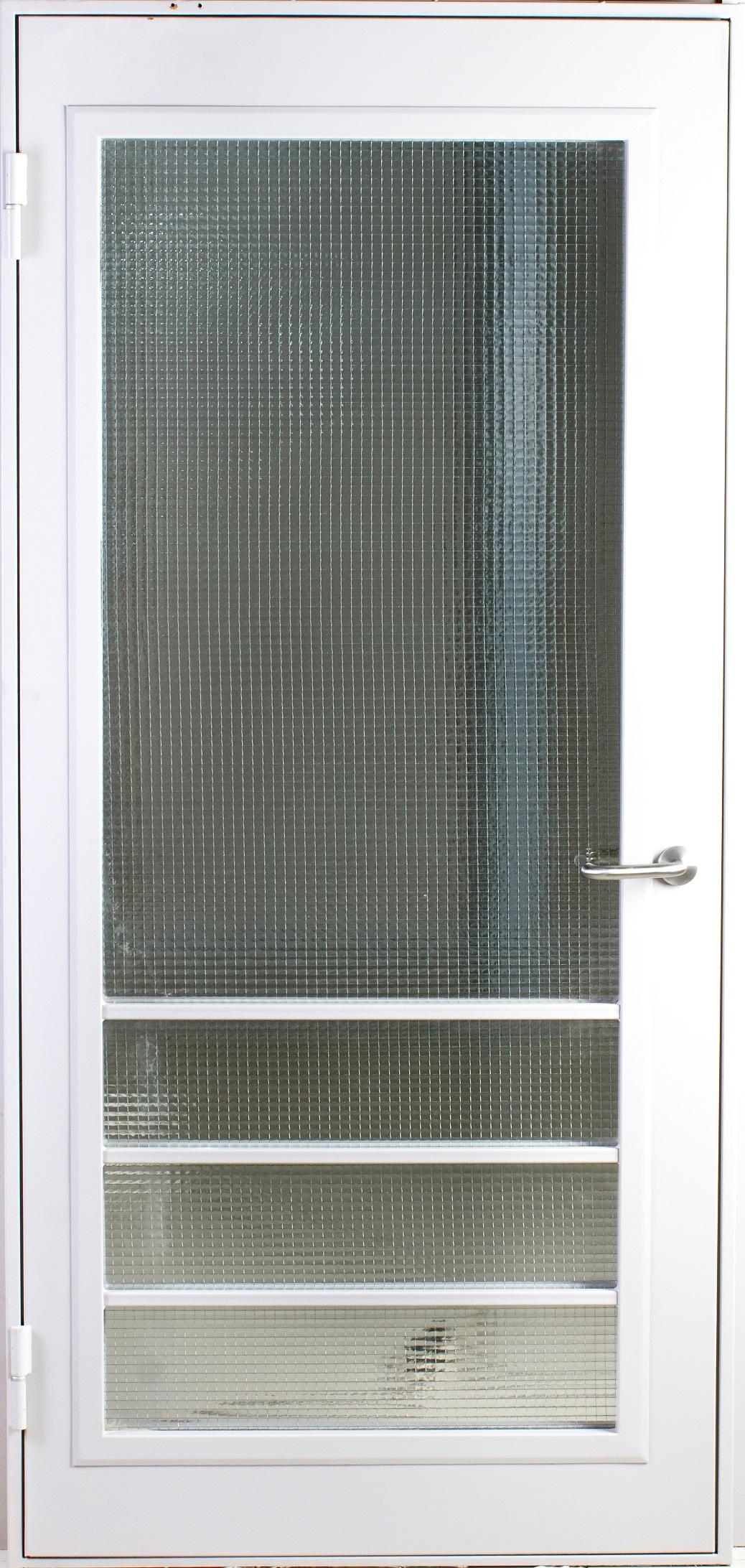 Техническая дверь переходного балкона